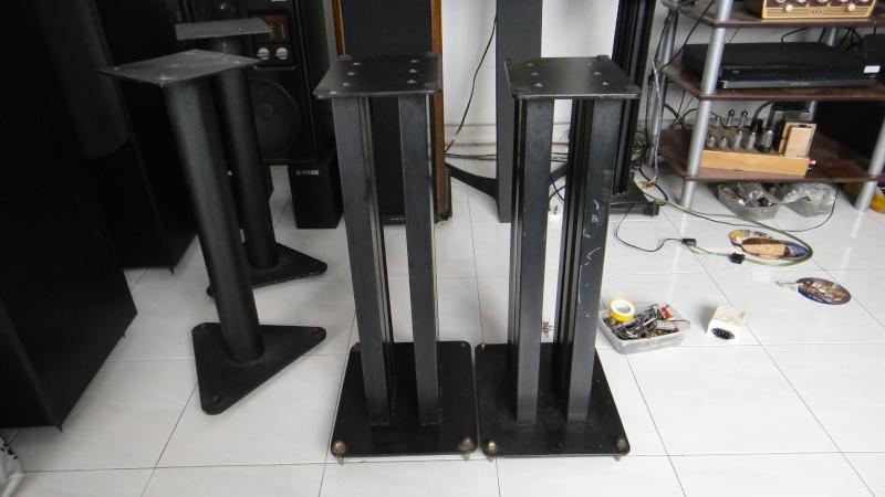 24'' 6 pillars speaker stand (Used)SOLD Dsc03519