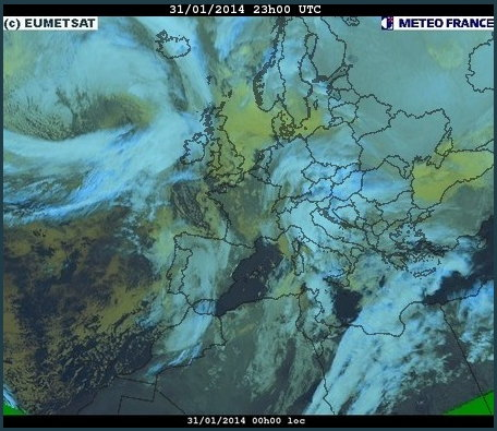 phénomènes climatiques à répétition : cyclones Cart3110