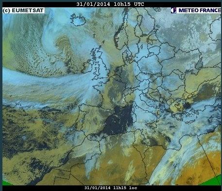 phénomènes climatiques à répétition : cyclones Cart3111