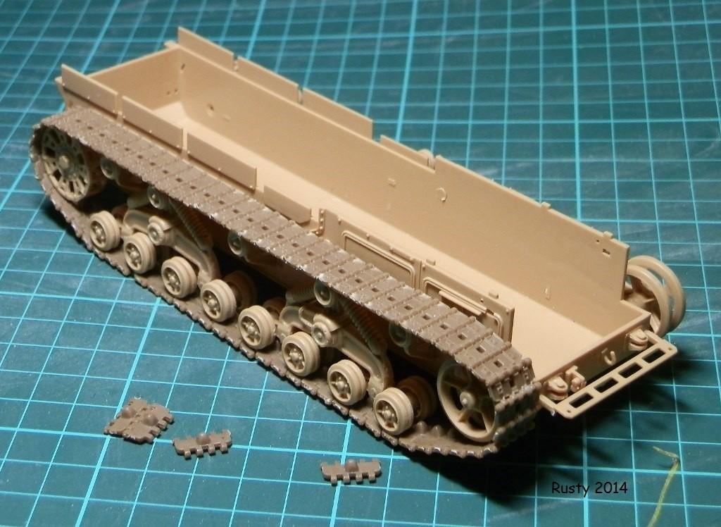 Tracteur d'artillerie Voroshilovets et canon sK.18 10,5cm [1/35 Trumpeter] P2083410