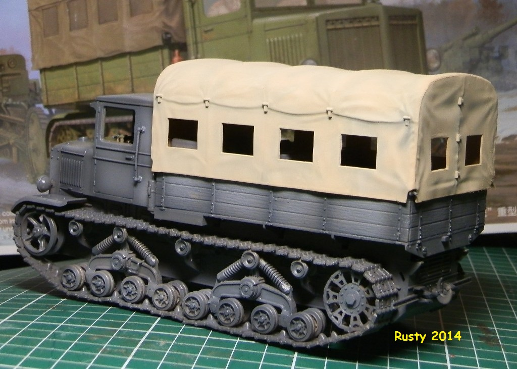 Tracteur d'artillerie Voroshilovets et canon sK.18 10,5cm [1/35 Trumpeter] - Page 2 P2153410