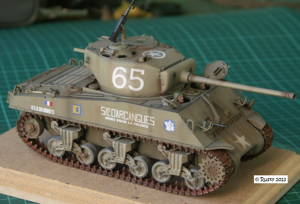 M4A3 (76) S/Lt d'Arcangues 12eme RCA [Italeri 1/35 ref.6440] Pict0012