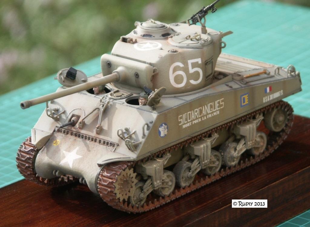 M4A3 (76) S/Lt d'Arcangues 12eme RCA [Italeri 1/35 ref.6440] - Page 2 Pict0018