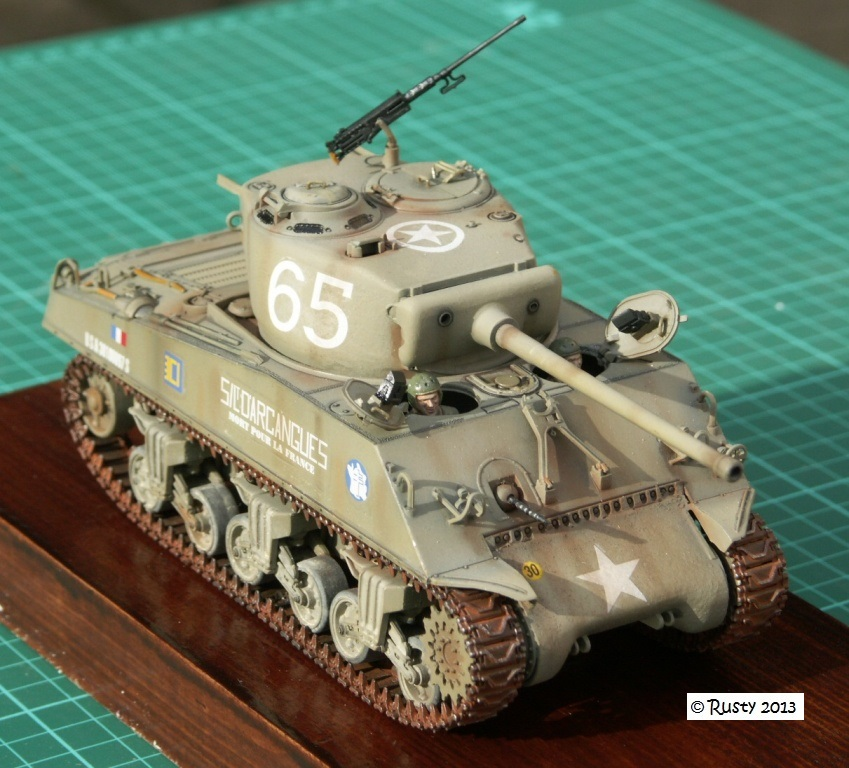 M4A3 (76) S/Lt d'Arcangues 12eme RCA [Italeri 1/35 ref.6440] - Page 2 Pict0021