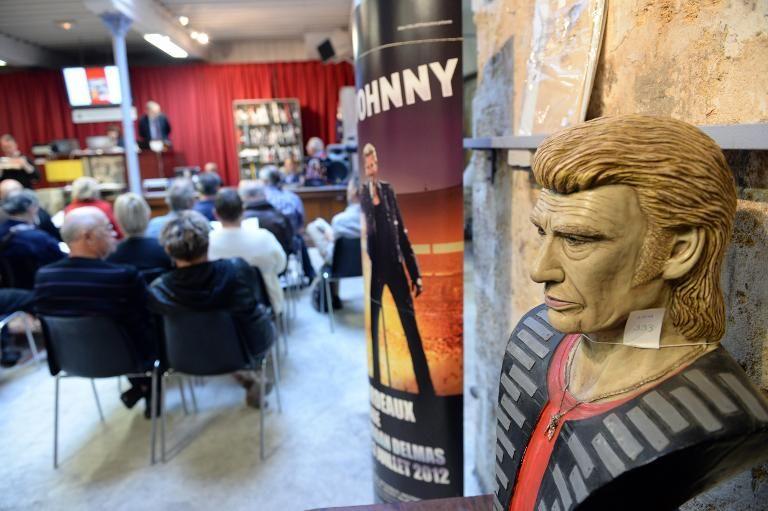 Vente aux encheres à Bordeaux collection Johnny Vente-10