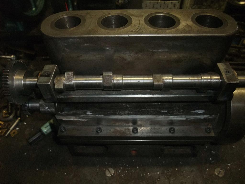 un petit 4 cylindres - Page 2 Dscf2336
