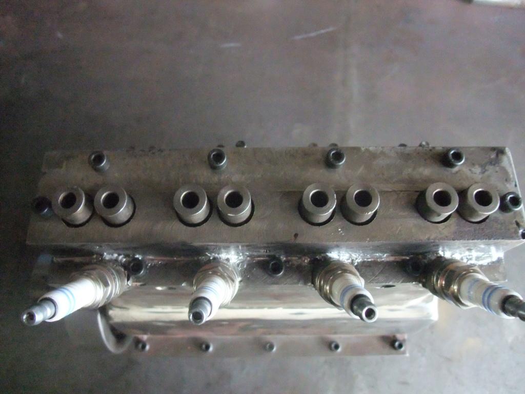 un petit 4 cylindres - Page 2 Dscf2345