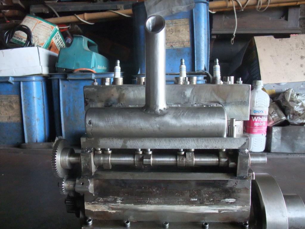 un petit 4 cylindres - Page 2 Dscf2348