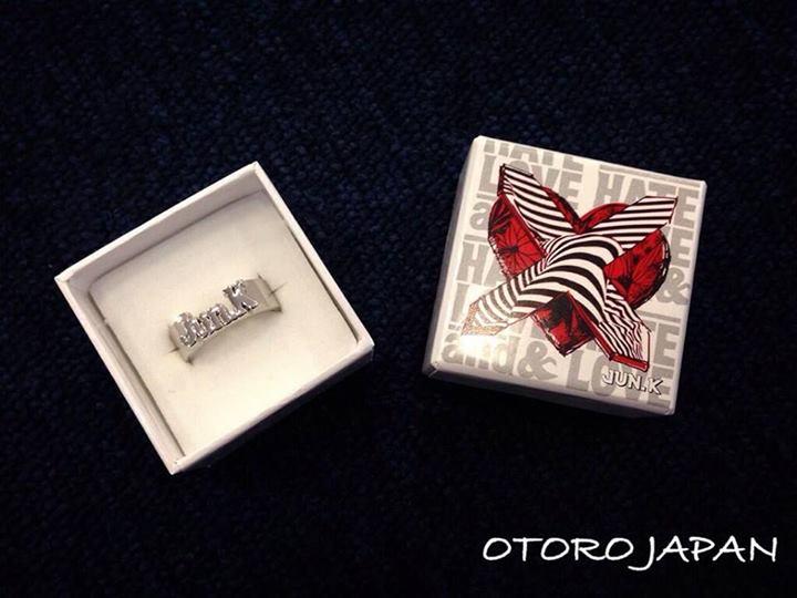 """[18.05.14] [PICS] Goodies de la 1ère tournée solo de Jun.K """"LOVE & HATE"""" 946"""