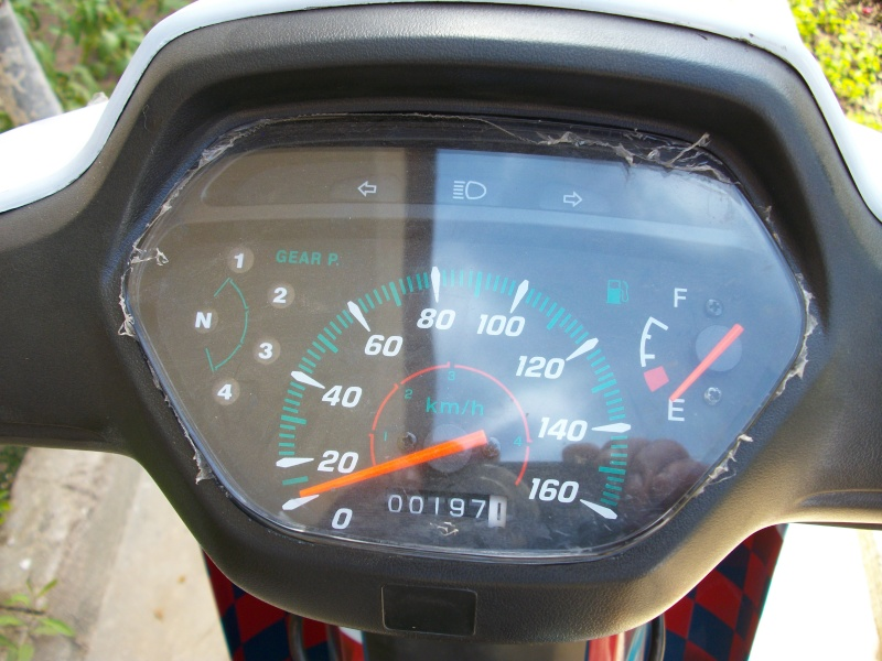 VOS JOUETS A L'ECHELLE 1 : ici, vos motos, jet, voitures - Page 14 Imgp0916
