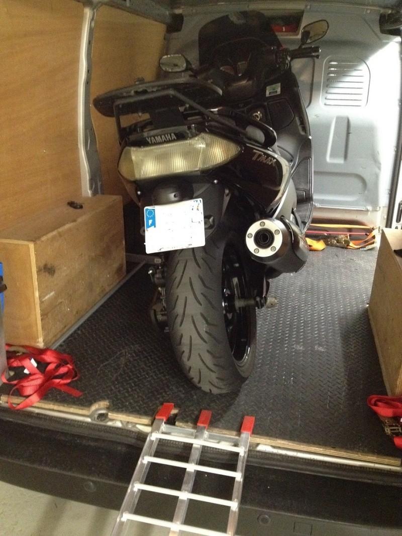 Utilitaire pour transport moto/matos Tmax10