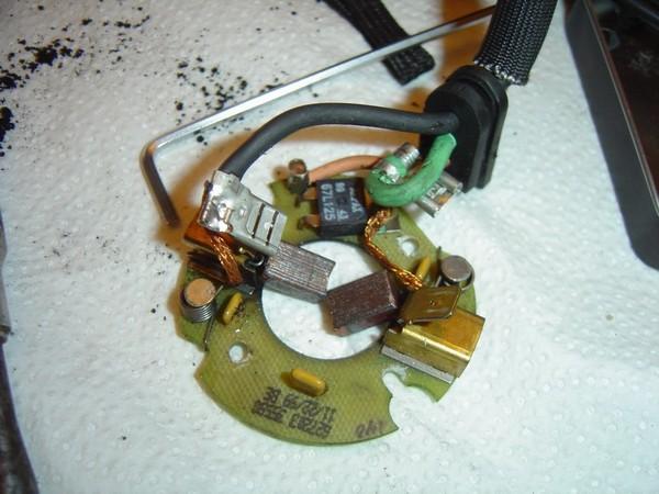 Compresseur EAS: Échange d'une Protection Thermique Défectueuse Compre13