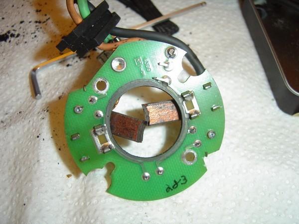 Compresseur EAS: Échange d'une Protection Thermique Défectueuse Compre14