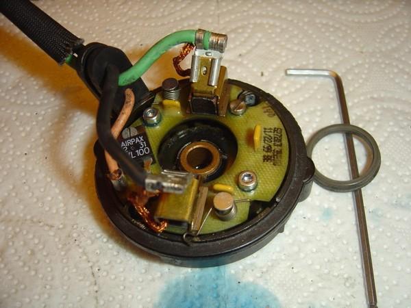 Compresseur EAS: Échange d'une Protection Thermique Défectueuse Compre20