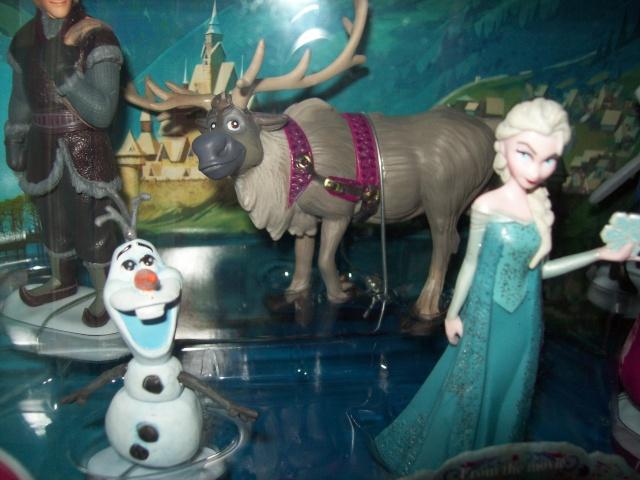 Les Sets de Figurines de Disney Store et Disney Parks - Page 4 00824