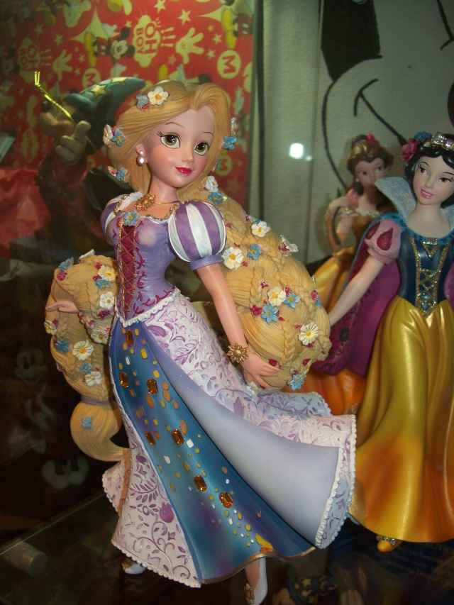 Disney Haute Couture - Enesco (depuis 2013) - Page 4 00927