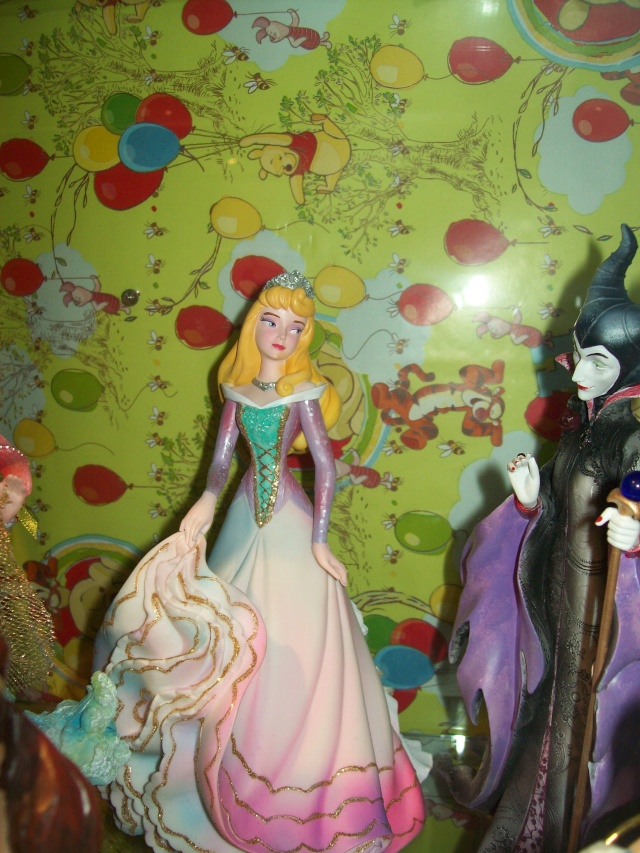 Disney Haute Couture - Enesco (depuis 2013) - Page 4 04412