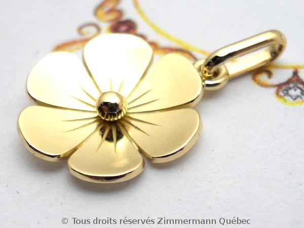 Une fleur en or 18 K toute simple Dscn1023