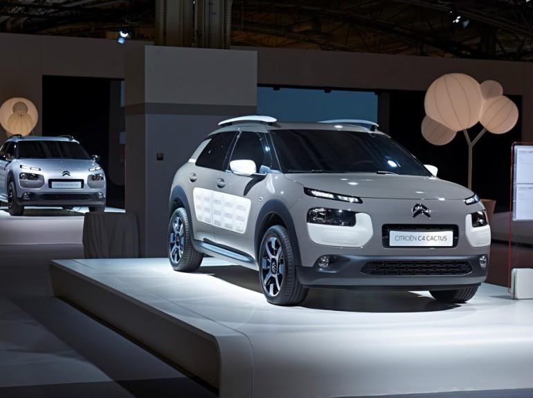 2014 - [FUTUR MODELE] Citroën C4 Cactus [E31] (photos p.54) - Page 39 69215810