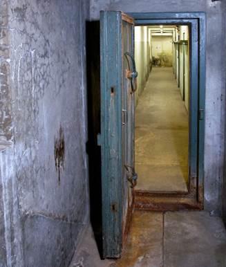 un bon sujet : L'Etat vend un ancien bunker à Paris ( novembre 2013) Rtemag10