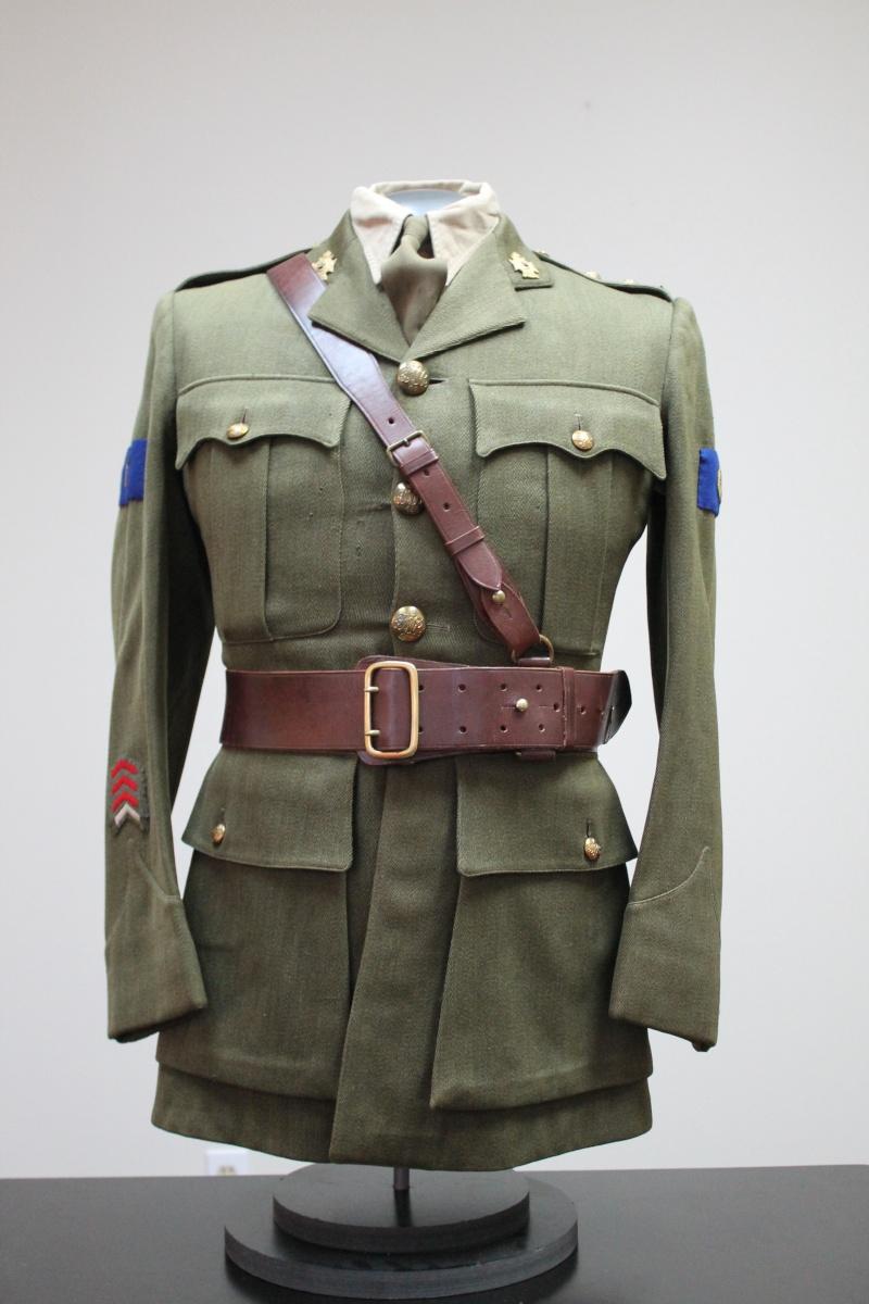 Service Dress Jacket Lieutenant André Raymond Fusiliers Mont-Royal Unifor15