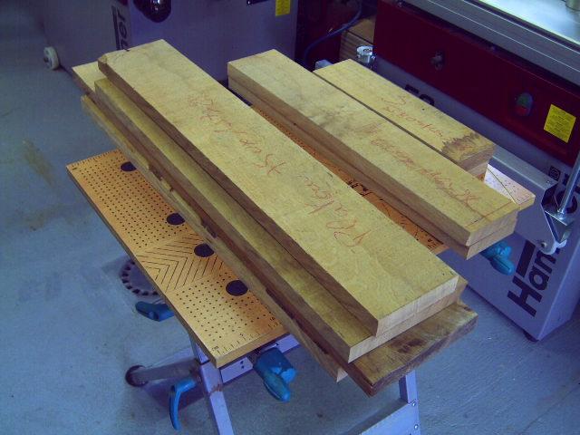 Petite table basse de salon 1_dabi11
