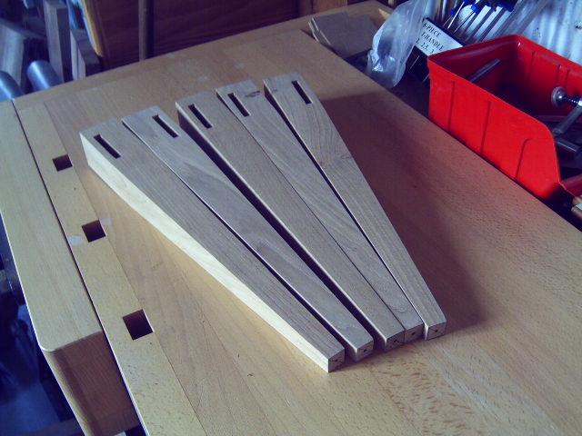 Petite table basse de salon 3_pied10