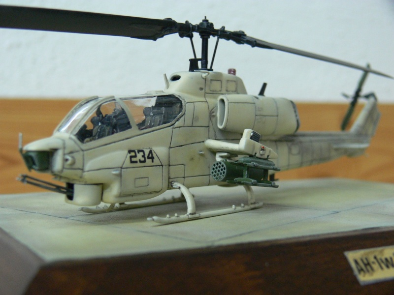 Charlie Cauchi model Italeri 1/72nd AH-1w Sea Cobra 12630810