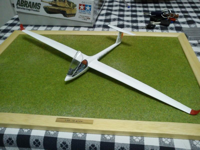 revell 1-32 ls8-18 glider  Dsc00310