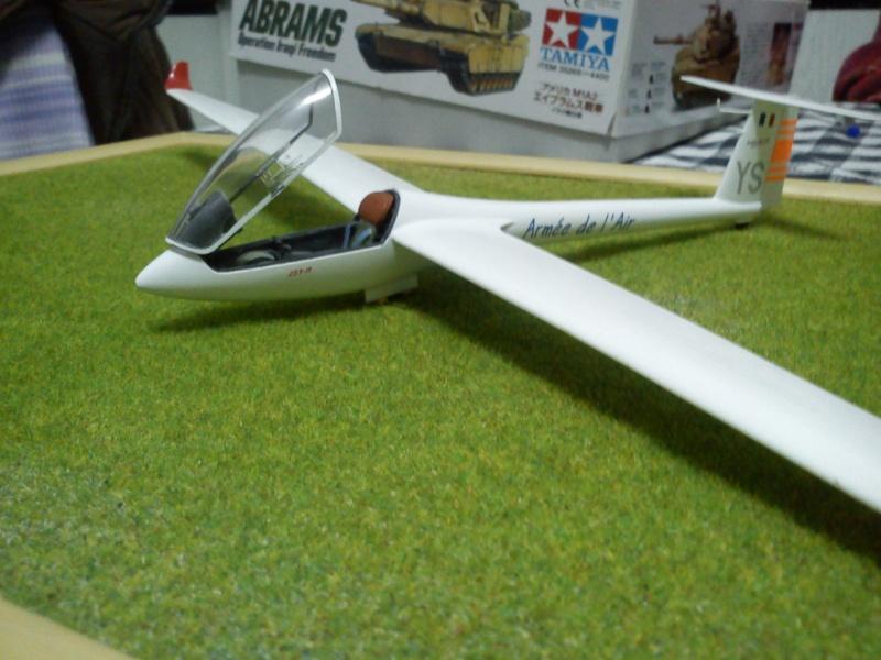 revell 1-32 ls8-18 glider  Dsc00313