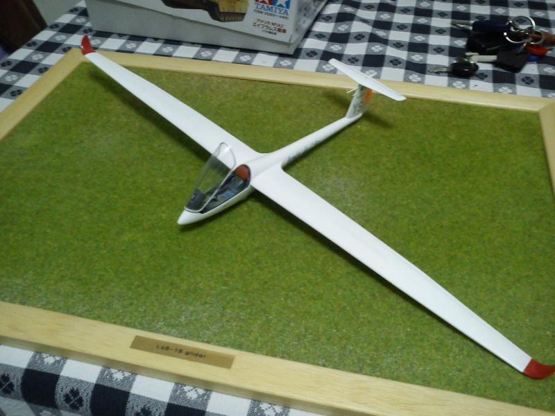 revell 1-32 ls8-18 glider  Dsc00314