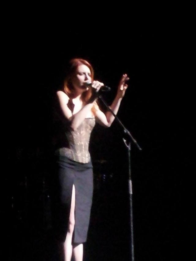 Elodie en concert au Théâtre des Pénitents à Montbrison (23 janvier 2014) 10058110