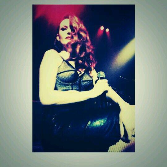 Elodie Frégé en concert à La Cigale (05 mars 2014) - Page 2 1011