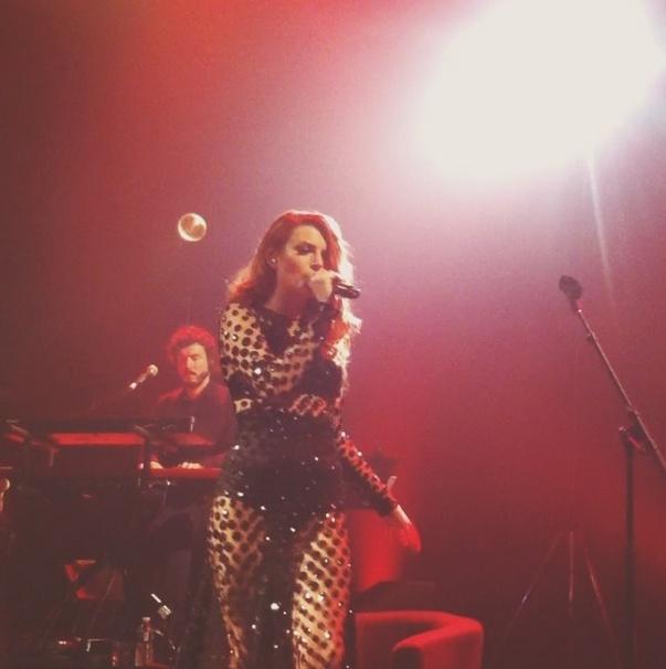 Elodie Frégé en concert à La Cigale (05 mars 2014) - Page 2 1211