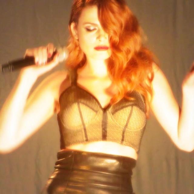 Elodie Frégé en concert à La Cigale (05 mars 2014) 417