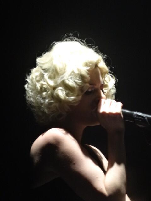 Elodie Frégé en concert à La Cigale (05 mars 2014) 717