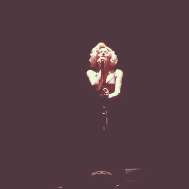 Elodie Frégé en concert à La Cigale (05 mars 2014) 812