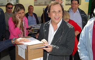 "Almirante Brown. Giustozzi: ""Hoy traje el documento"". 00128"