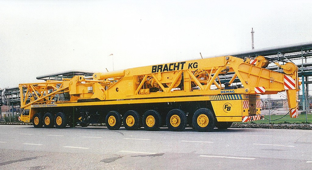 Les anciennes grues DEMAG - Page 7 69875411
