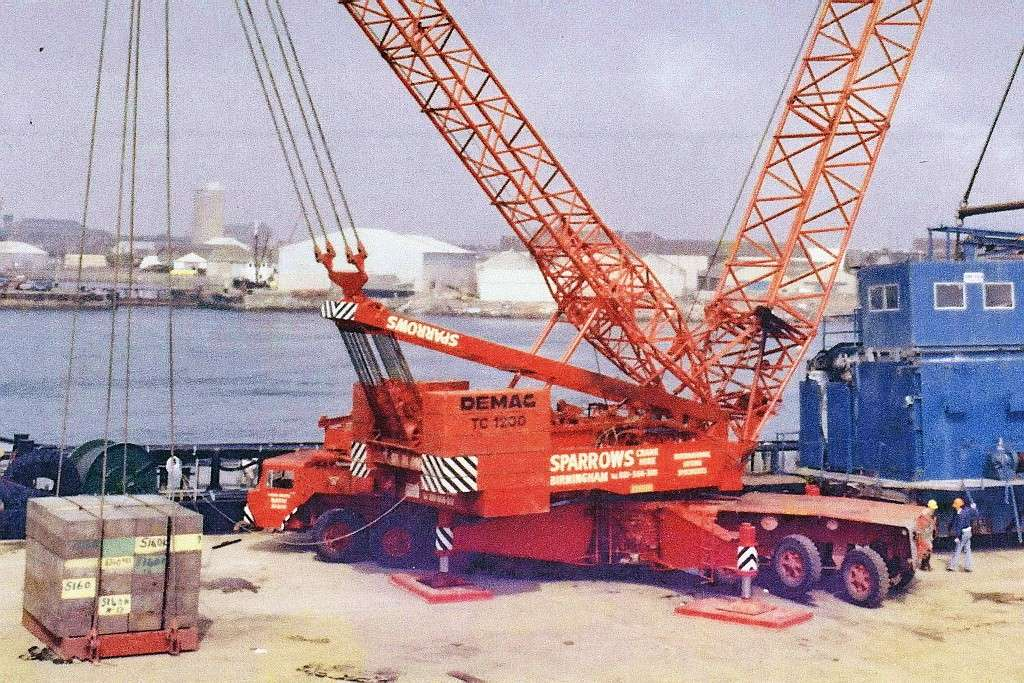 Les anciennes grues DEMAG - Page 7 96184410