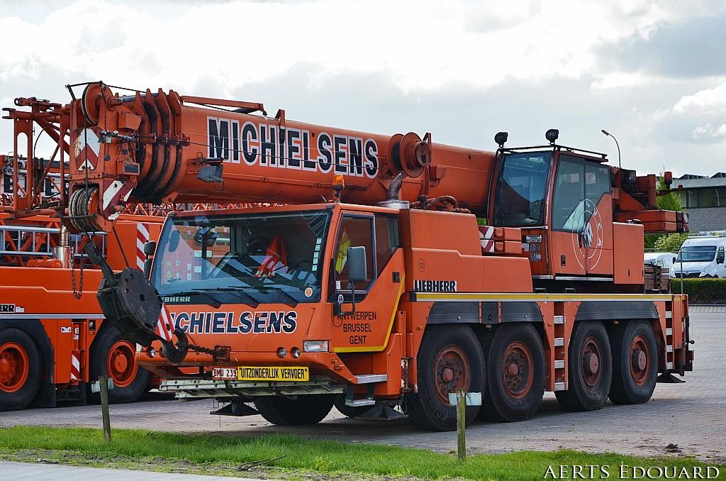 Les grues de MICHIELSENS (Groupe MICHIELSENS) (Belgique) - Page 6 Dsc_5415