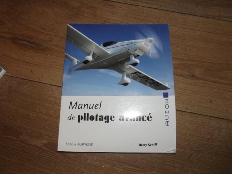 [A vendre] Casque avion quasi neuf et livres aéro Dscf3812