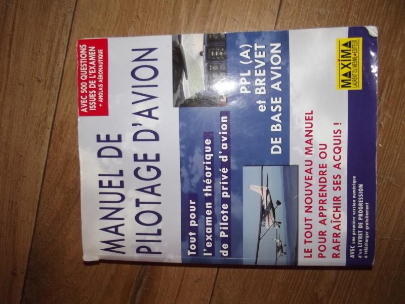 [A vendre] Casque avion quasi neuf et livres aéro Dscf3814