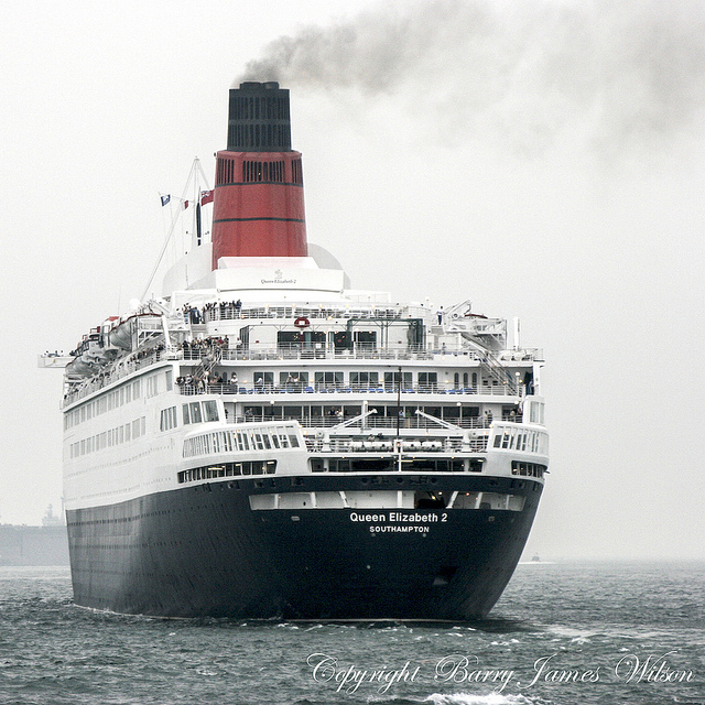 QE2 Exterior Shots ( Full View) - Page 2 10900811