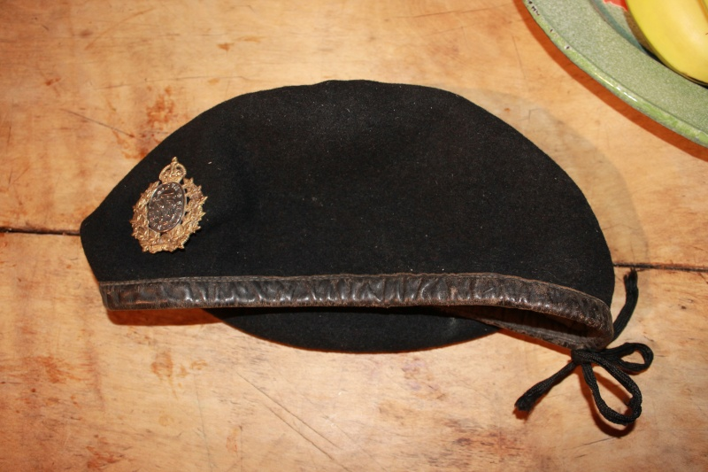 Canadian made black tanker beret Baratt10