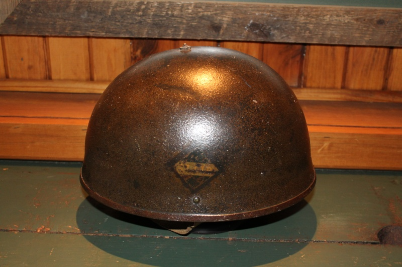 Lets see your favorite worn Canadian/Commonwealth helmets with nice aged patina Tanker14