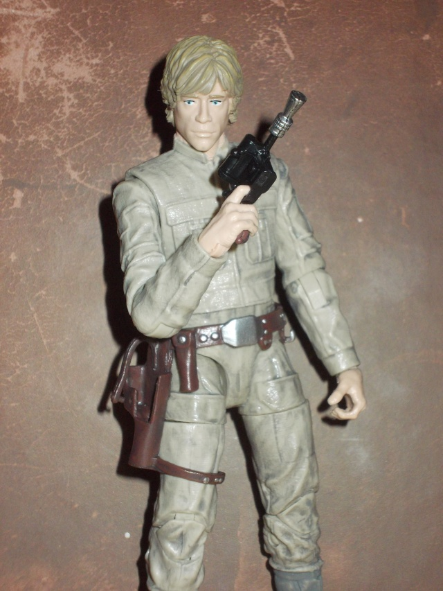 Anyone going to collect the 6 inch Black Series figures? - Page 2 Dscn1911