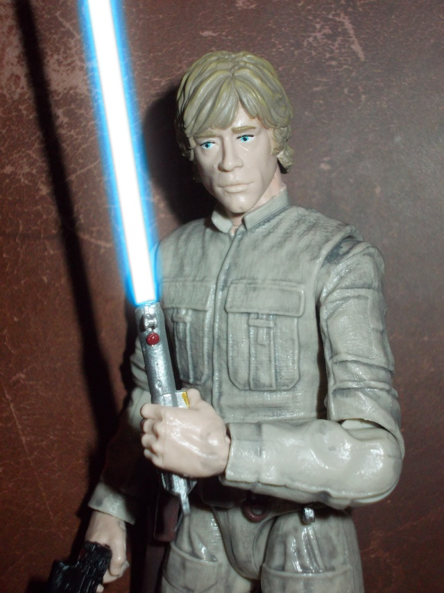 Anyone going to collect the 6 inch Black Series figures? - Page 2 Dscn1912