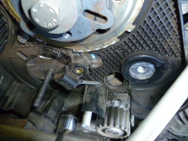 Remplacement du capteur arbre à came type G40 P1030052