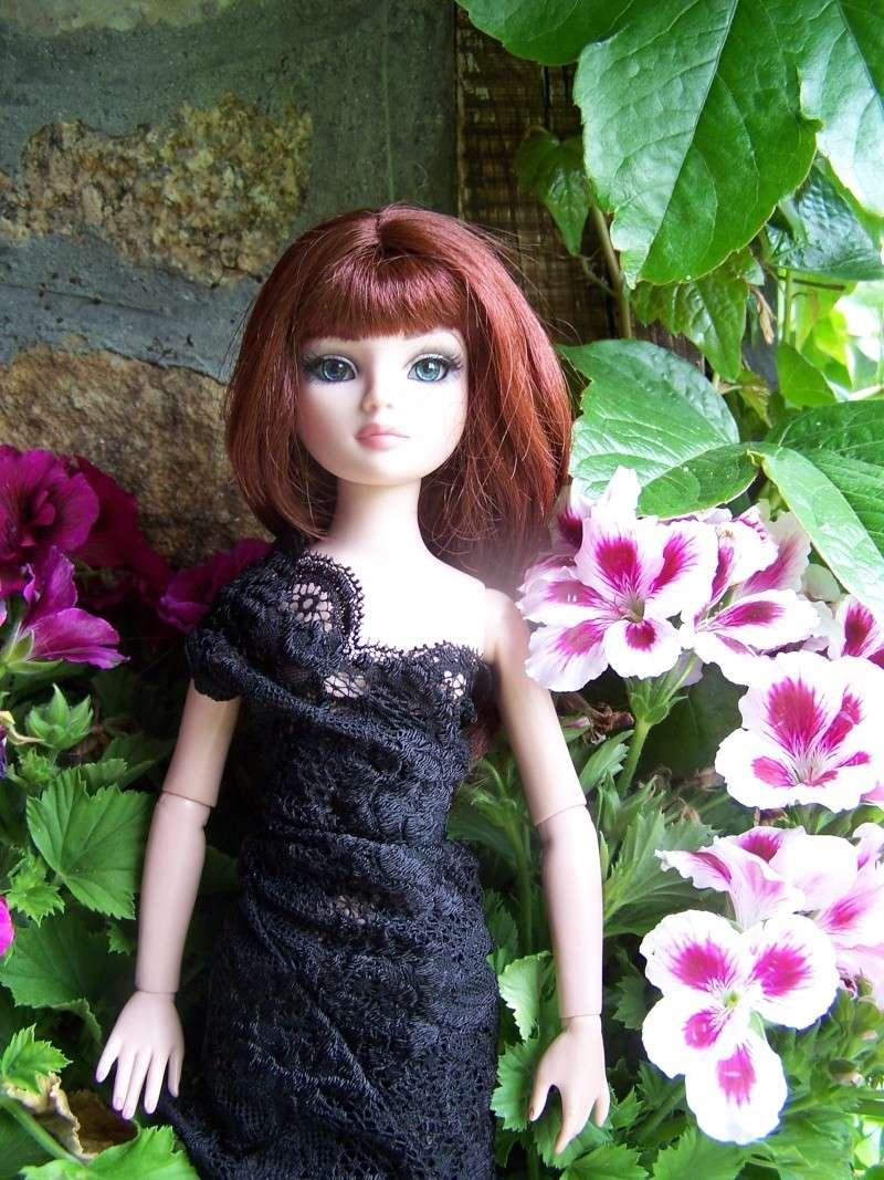 THEME DU MOIS DE NOVEMBRE 2013 : Ellowyne et sa petite robe noire 000_3910
